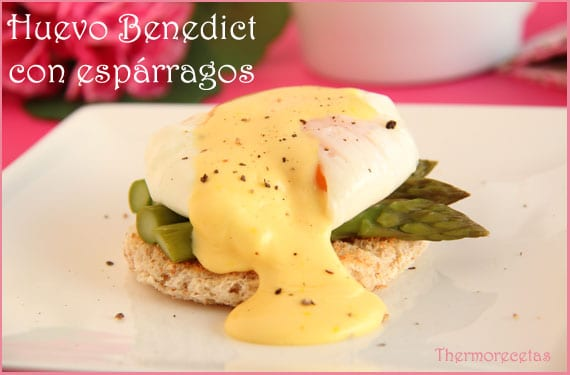 Huevos Benedict con espárragos