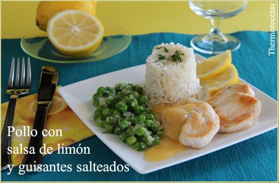 Pollo con salsa de limón y guisantes salteados