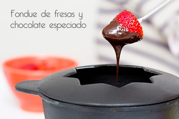 Fondue de fresas con chocolate especiado