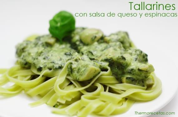 Tallarines con salsa verde de queso y espinacas