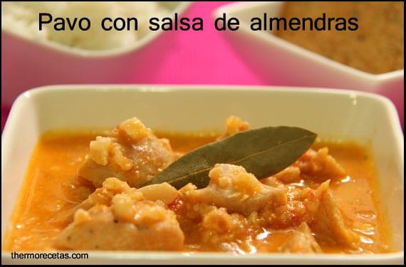 Pavo guisado con salsa de almendras