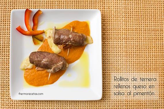 Rollitos de ternera rellenos de jamón y queso en salsa al pimentón