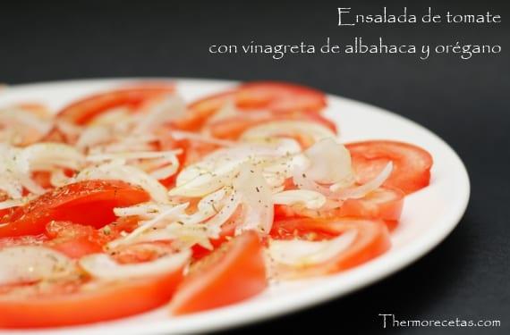 Ensalada_tomate_vinagreta_albahaca_oregano