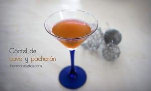 C ctel de cava y pachar n con zumo de naranja for Coctel con zumo de tomate
