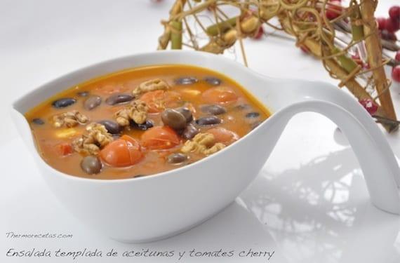 ensalada-templada-tomates-y-aceitunas