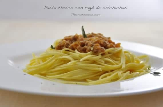pasta-con-ragu-de-salchichas
