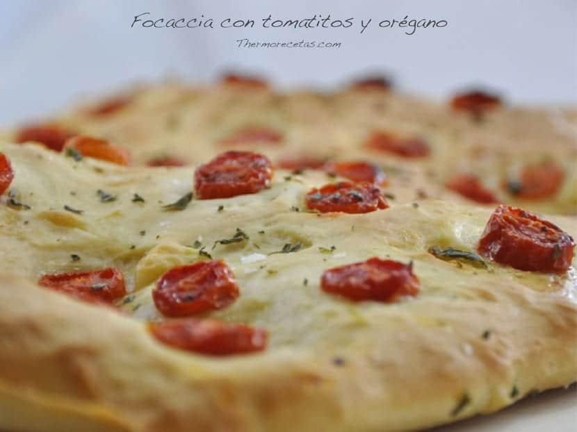 focaccia-con-tomatitos-y-oregano