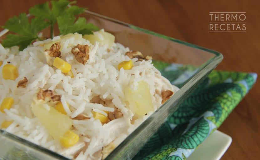 ensalada-de-arroz-piña-y-pollo-thermorecetas