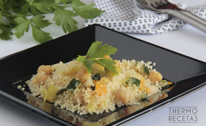 cuscus-con-vegetales-y-garbanzos-thermorecetas