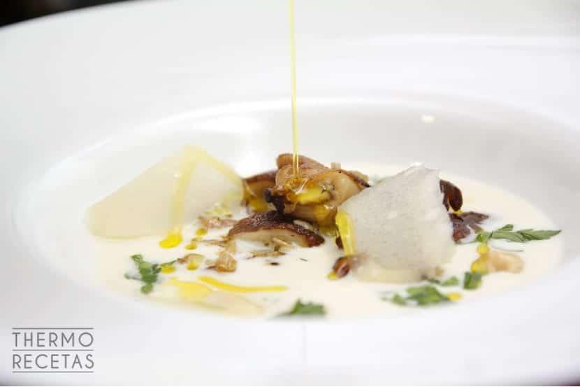 Sopa de parmesano shiitake