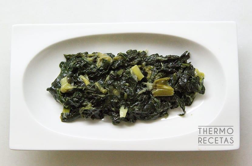 espinacas-ajos-tiernos