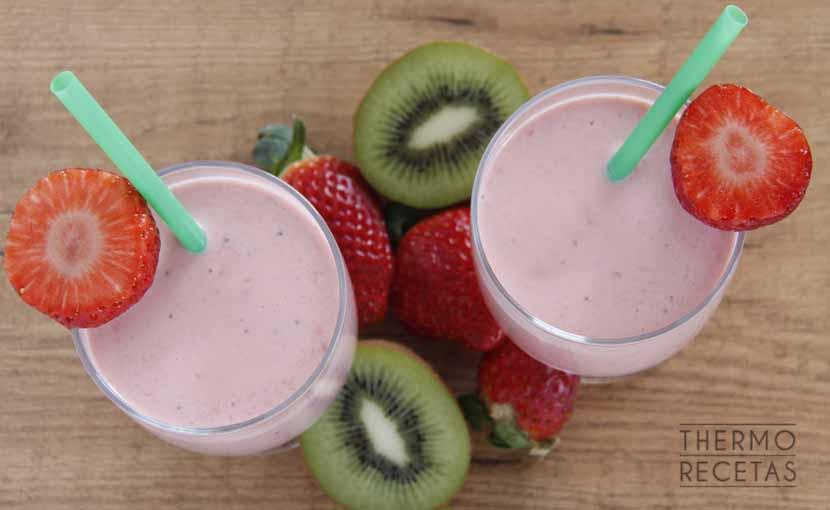 batido-de-primavera-con-fresas-y-kiwi-thermorecetas
