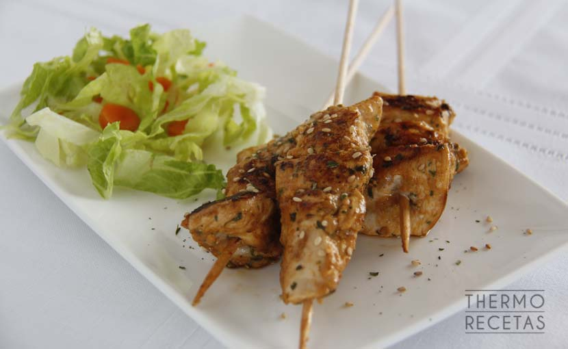 brochetas-de-pollo-marinado-con-especias-thermorecetas