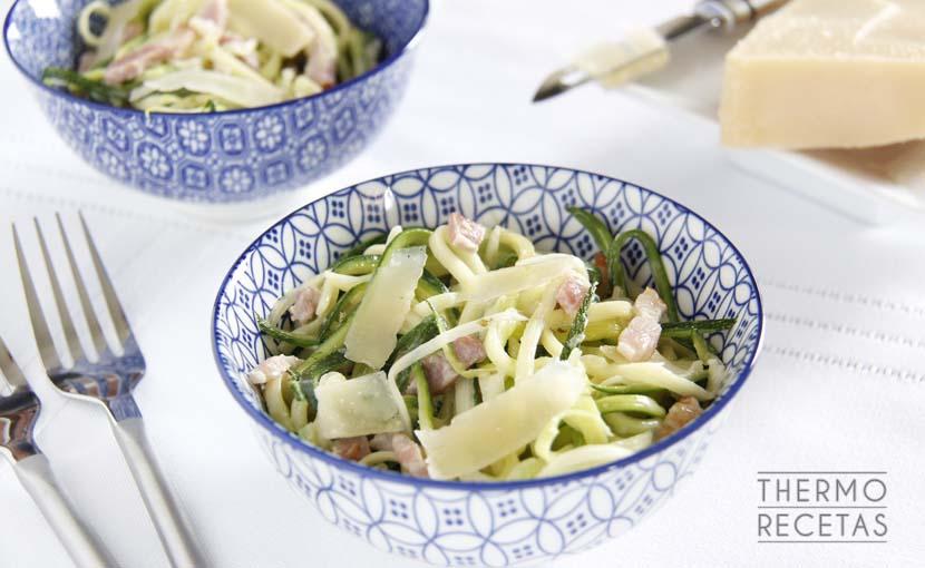 espaguetis-de-calabacin-a-la-carbonara-thermorecetas