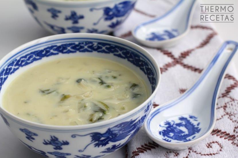 Sopa de espinacas y puerro