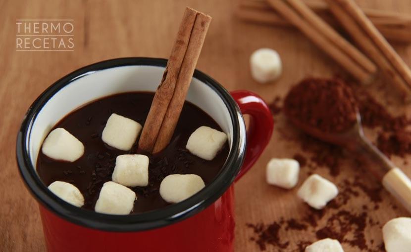 chocolate-caliente-a-la-canela-thermorecetas