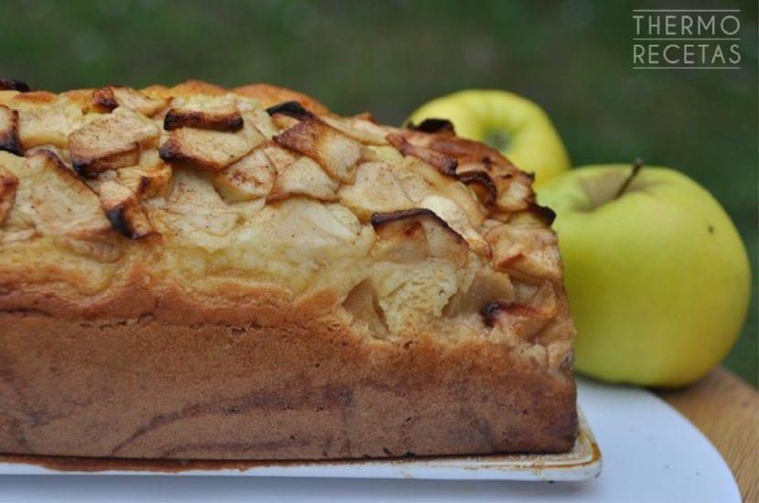 plum-cake-de-manzana