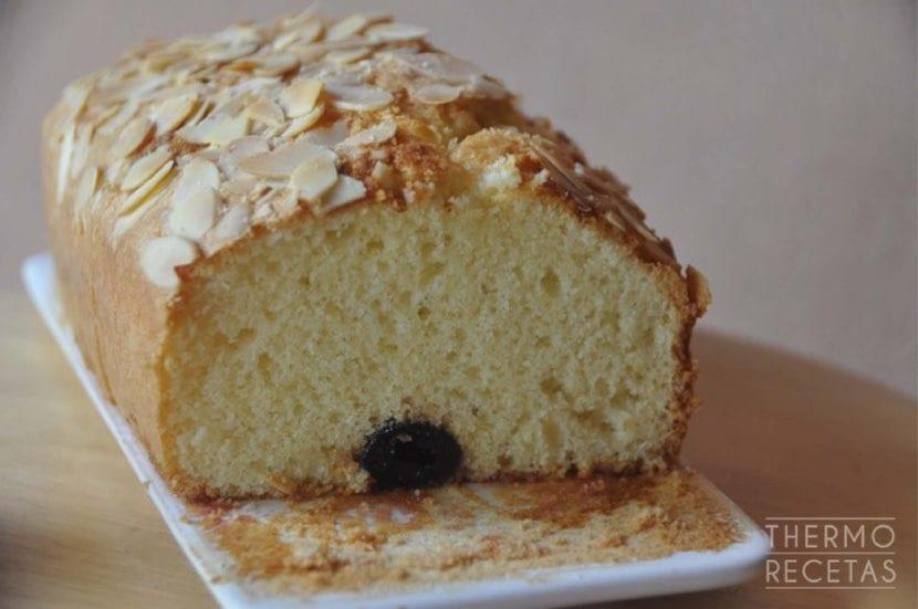 plum-cake-de-guindas
