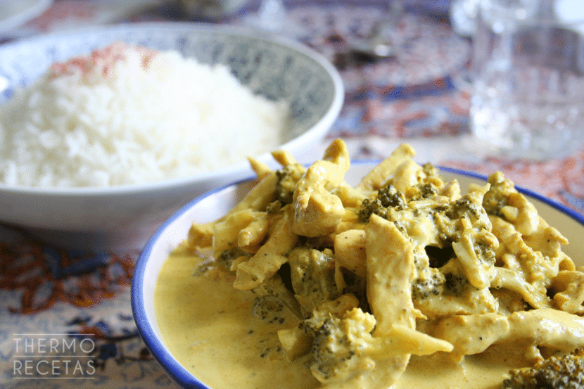 pollo al curry con brocoli