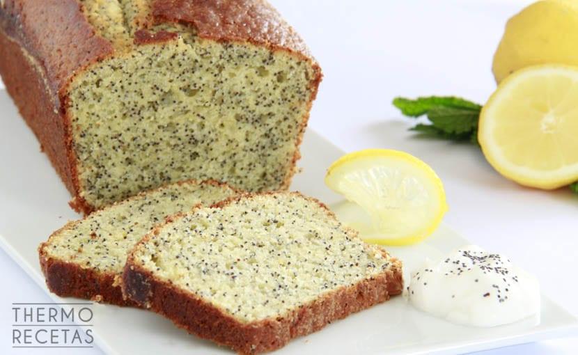bizcocho-de-limón-y-semillas-amapola-thermorecetas