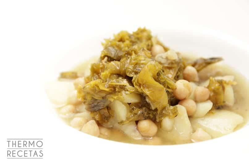 potaje-de-garbanzos-pedrosillanos-con-kale