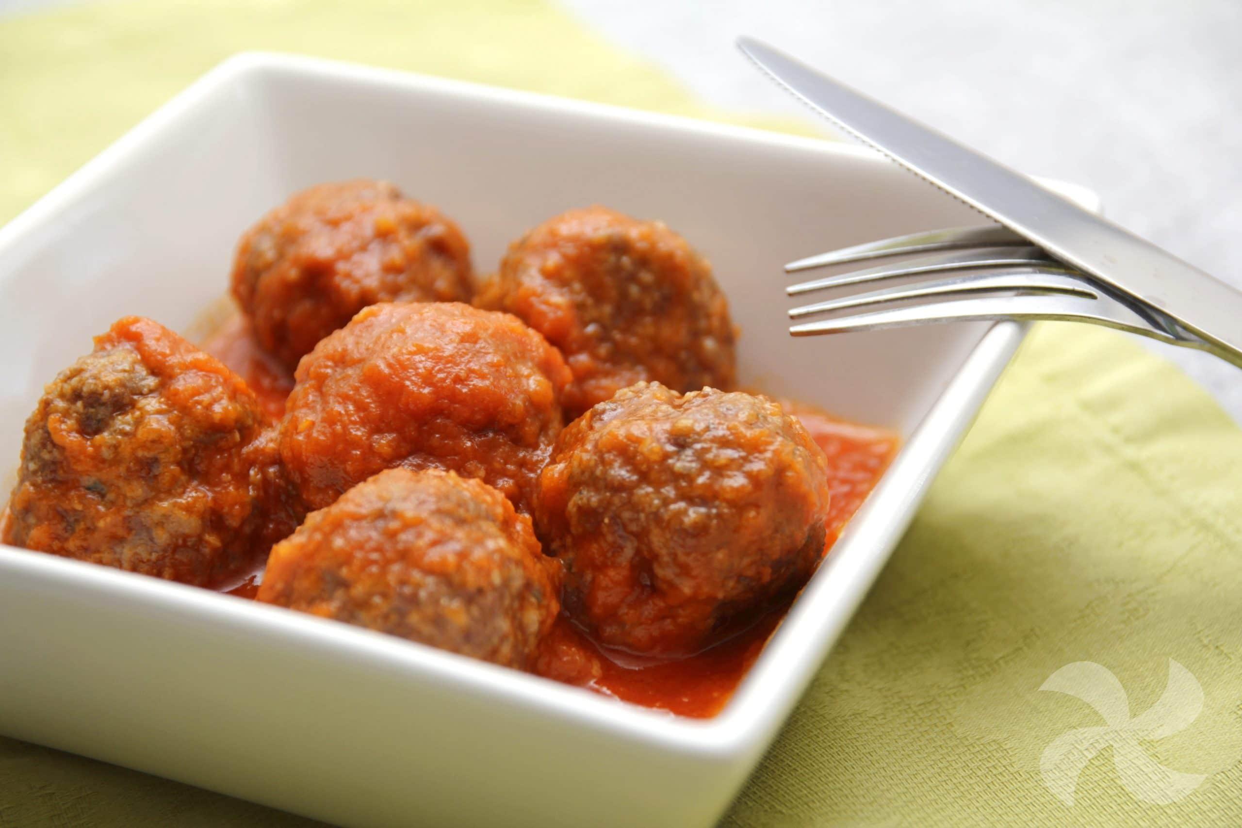 como preparar albondigas en tomate