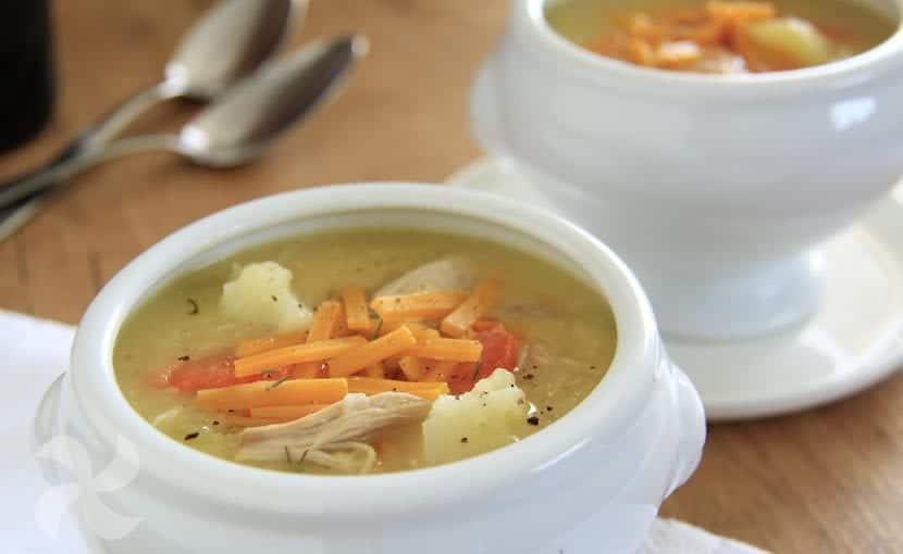 Sopa cremosa de pollo y patata