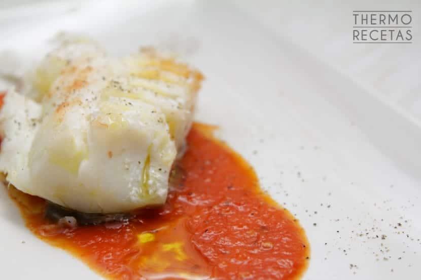 Bacalao con tomate confitado
