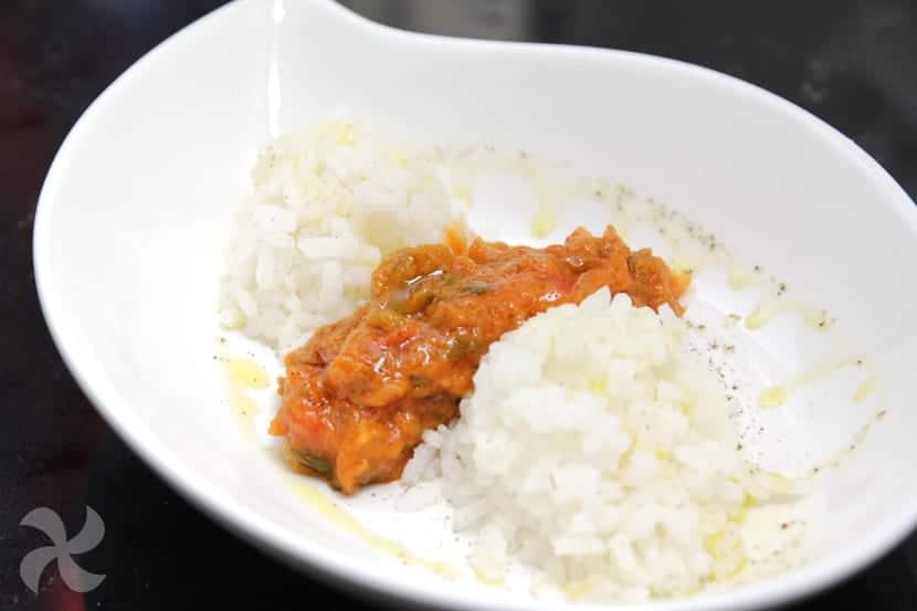 Pisto de calabacín con arroz al ajo