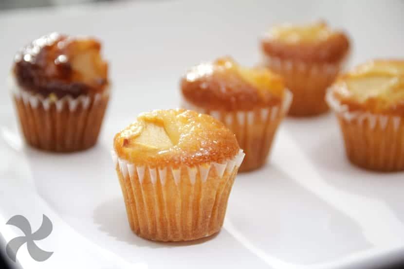 Magdalenas mini de manzana y crema pastelera
