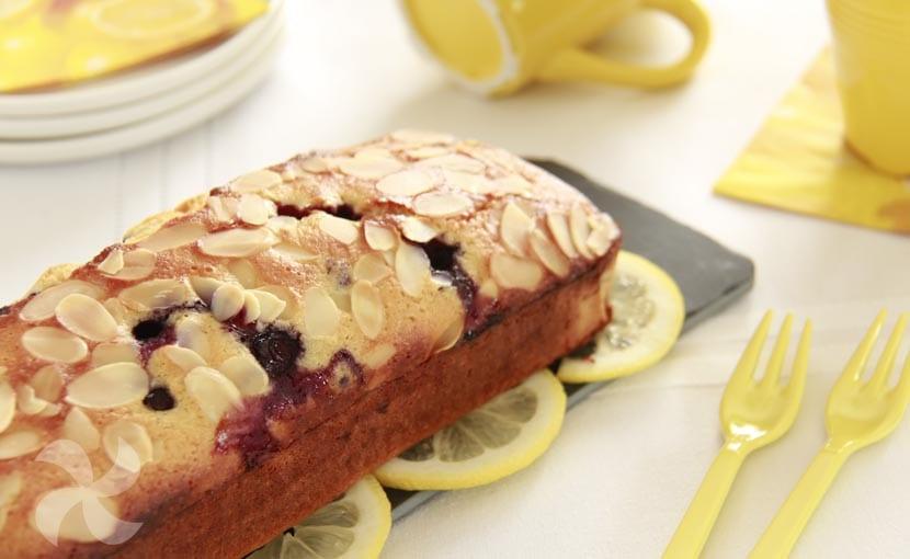 Bizcocho sin gluten de limón y arándanos - Recetas Thermomix