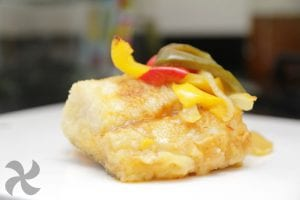 Bacalao a la portuguesa con patatas y fritada de pimientos