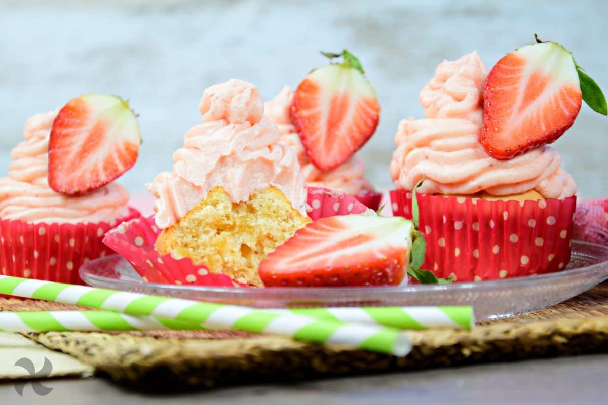 Cupcakes con crema de fresas