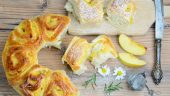 Pan brioche con relleno de manzana
