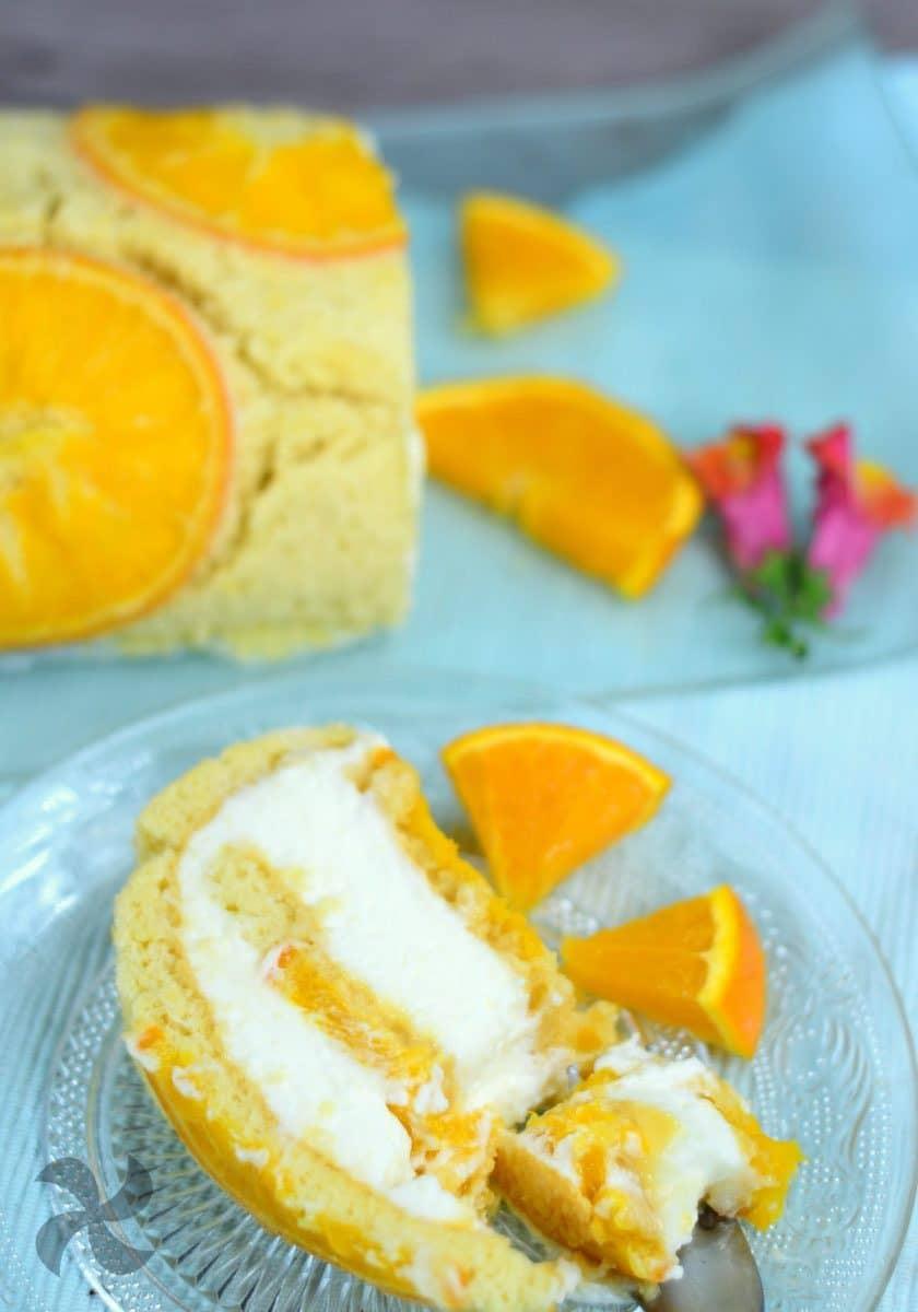 Rollo de pastel con naranja confitada
