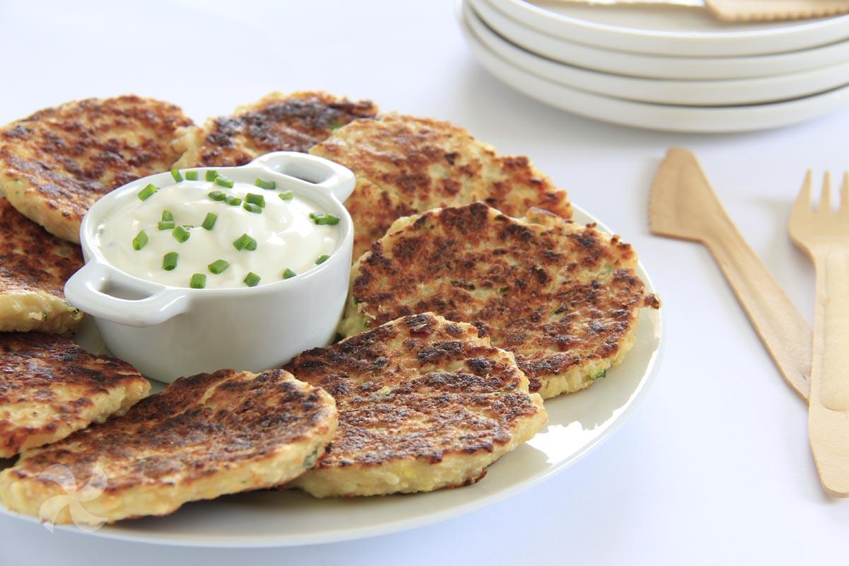Tortitas de coliflor, panceta y queso