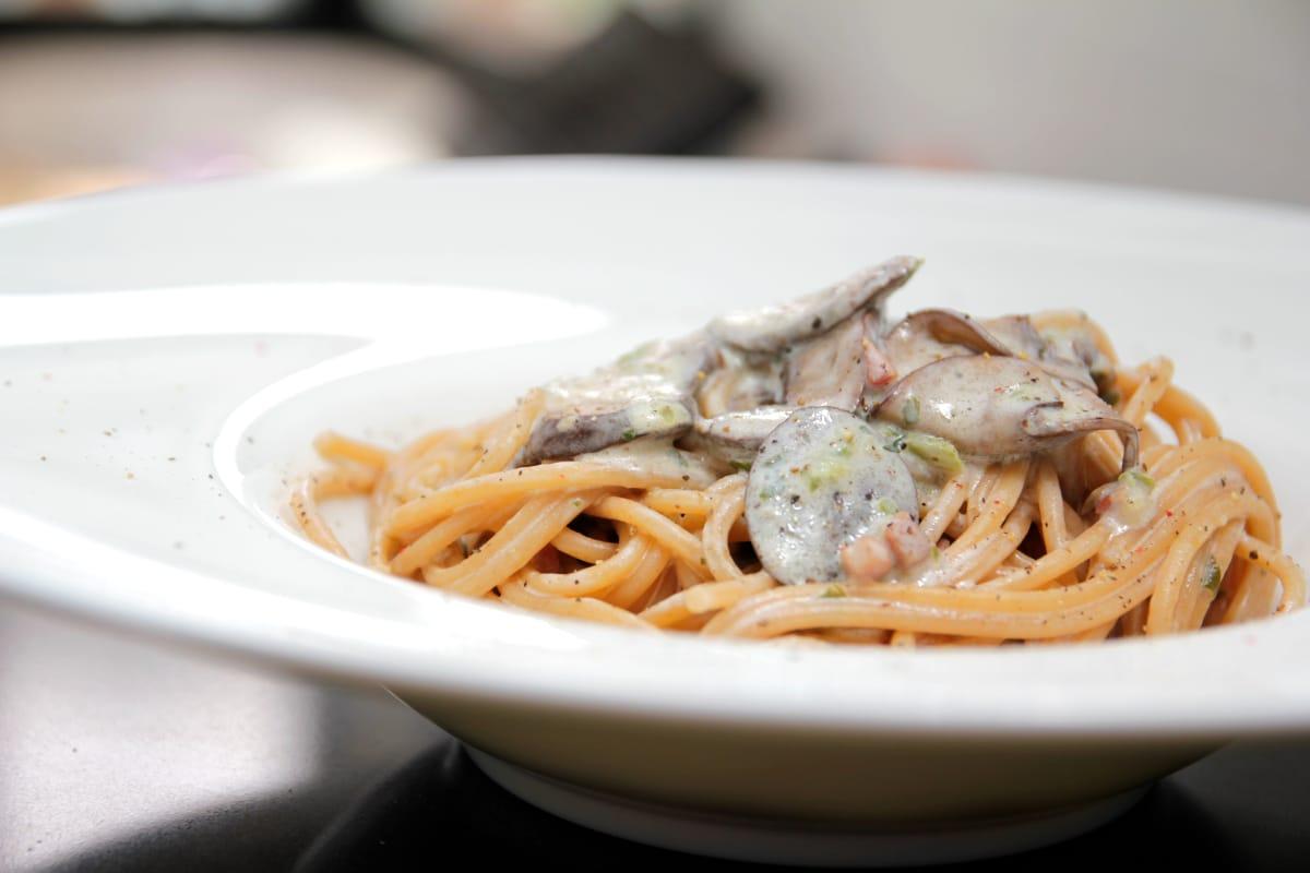 Espaguetis con portobello y trufa