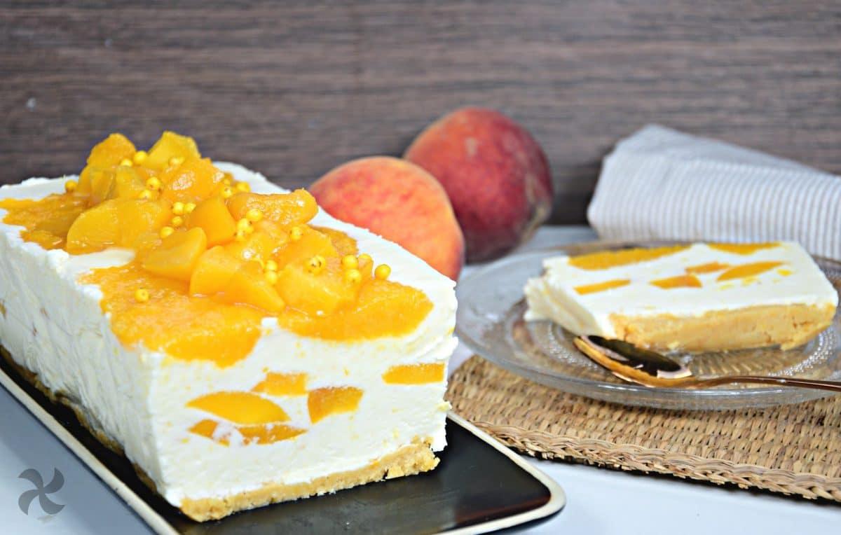 Tarta helada de melocotón y queso