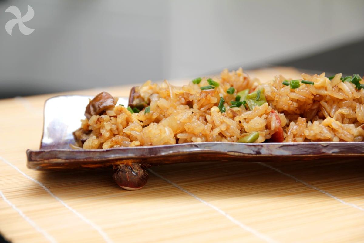Arroz glutinoso frito estilo chino3