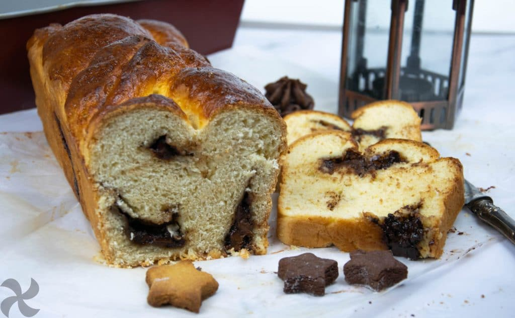 Pan de leche jugoso con chocolate